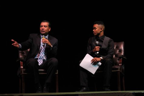 Voting assembly brings politicians to Sequoia