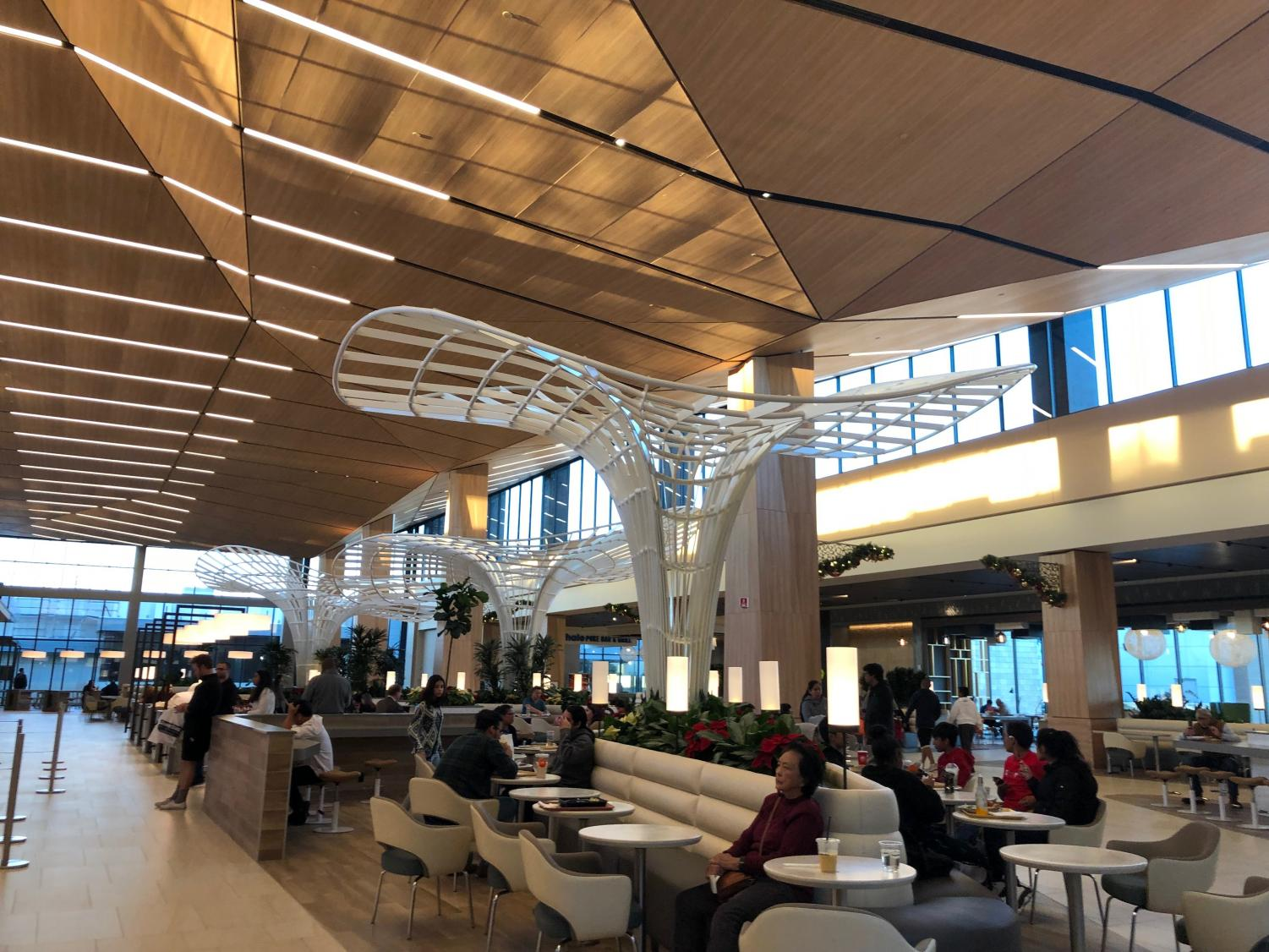 New Hillsdale Dining Terrace caters to San Mateo community