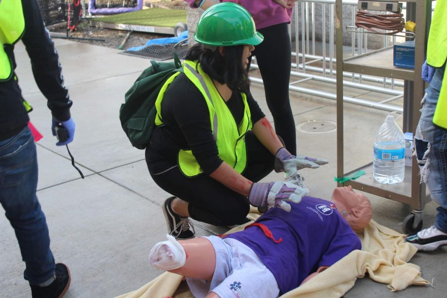 Health+Careers+Academy+students+train+to+be+first+responders+through+interactive+drills+and+activities.